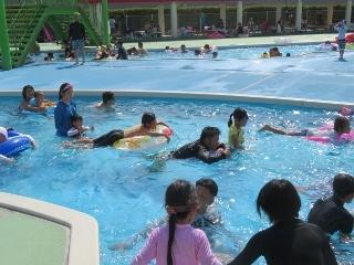 0815-11-pool.jpg